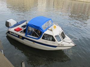praktische Motorbootprüfung günstig - Motorbootkurs Zürichsee - A Schein Ausbildung in einer Woche